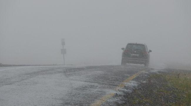 Sahara Geçidinde etkili olan kar ulaşımı olumsuz etkiledi