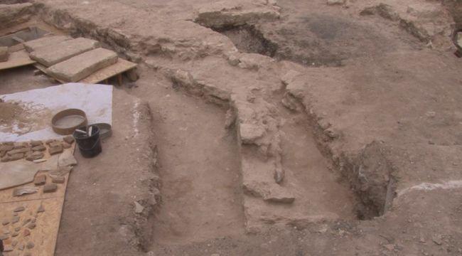 Zeytinburnu'nda 'sandık tipi mezar' ve 'lahit mezar' bulundu